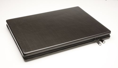 Macbook-carbon-fiber-case-1